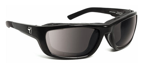 7eye Ventus gloss black (SMALL to MEDIUM fit)