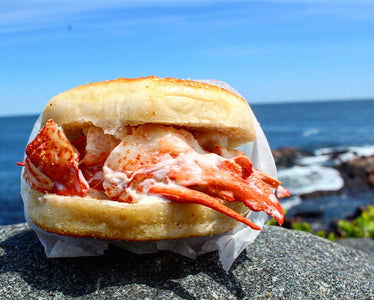 STONE & SKILLET LOBSTER ROLL