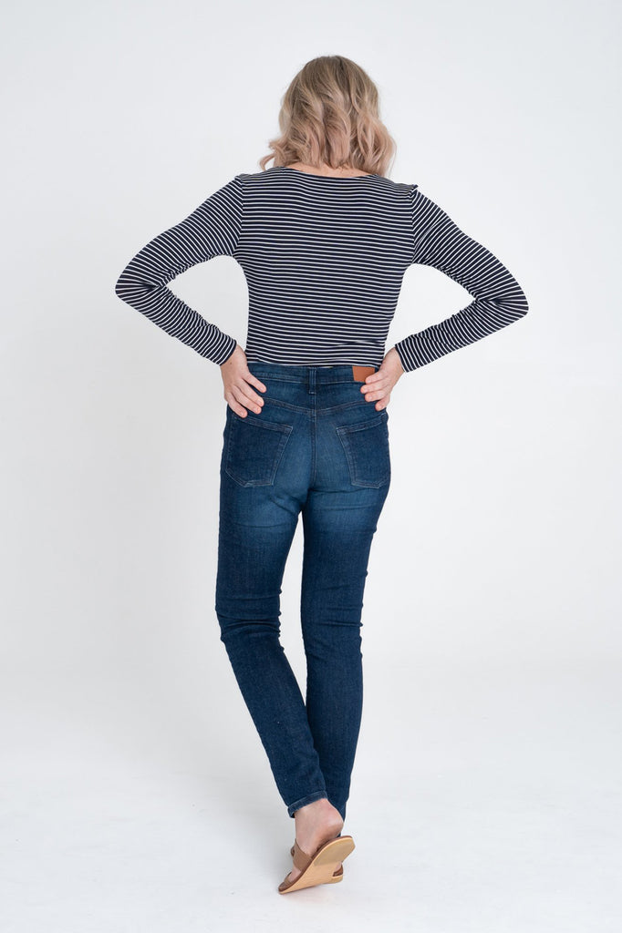 Dorsu Navy Stripe Fitted Long Sleeve T-shirt