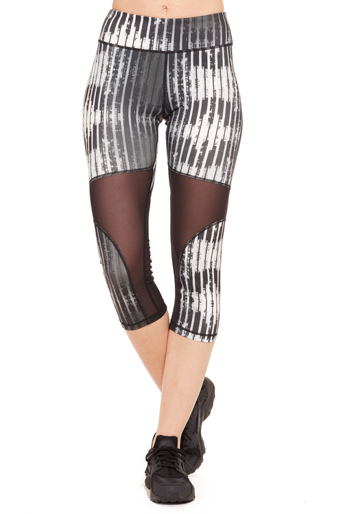 Performance Printed Capri with Mesh Panel / Black Stripes