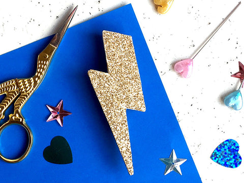 toyhood store's glitter flash badge making kit by themakearcade