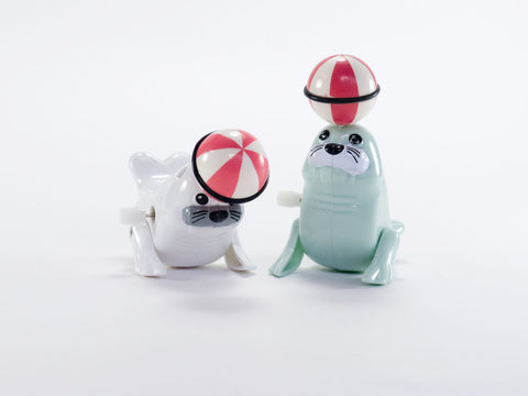 Wind up Spinning Seal