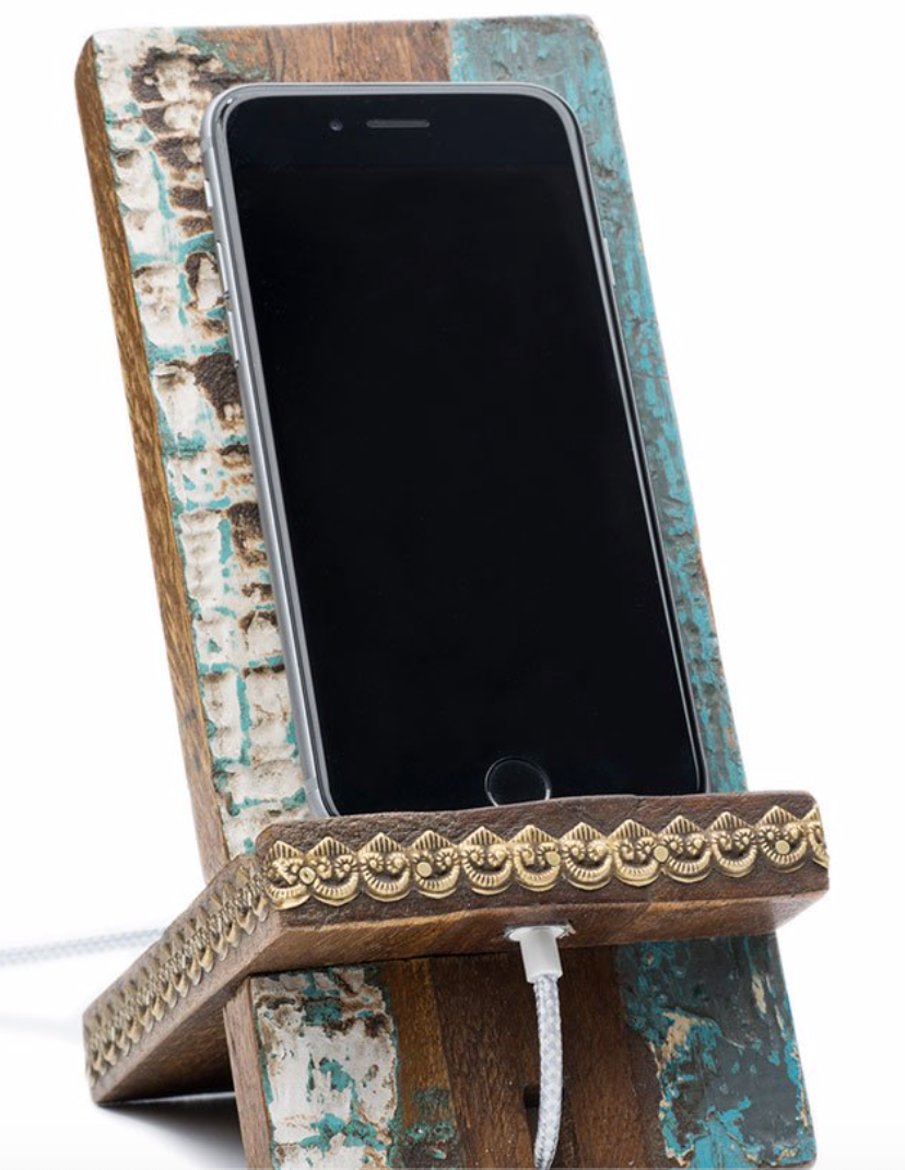 Puri Beach House Smart Phone Stand