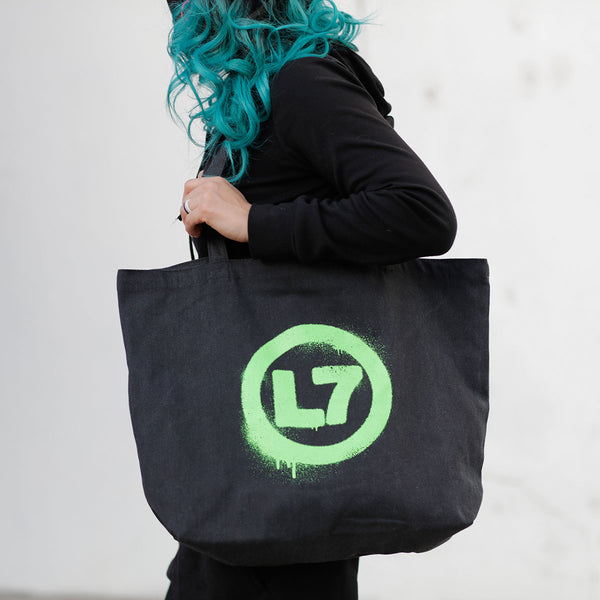 L7 - Spray Logo Oversized Tote Bag