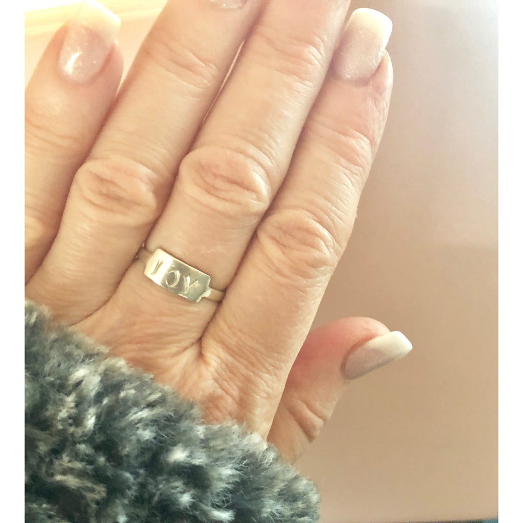Dainty Bar Ring-Deluxur