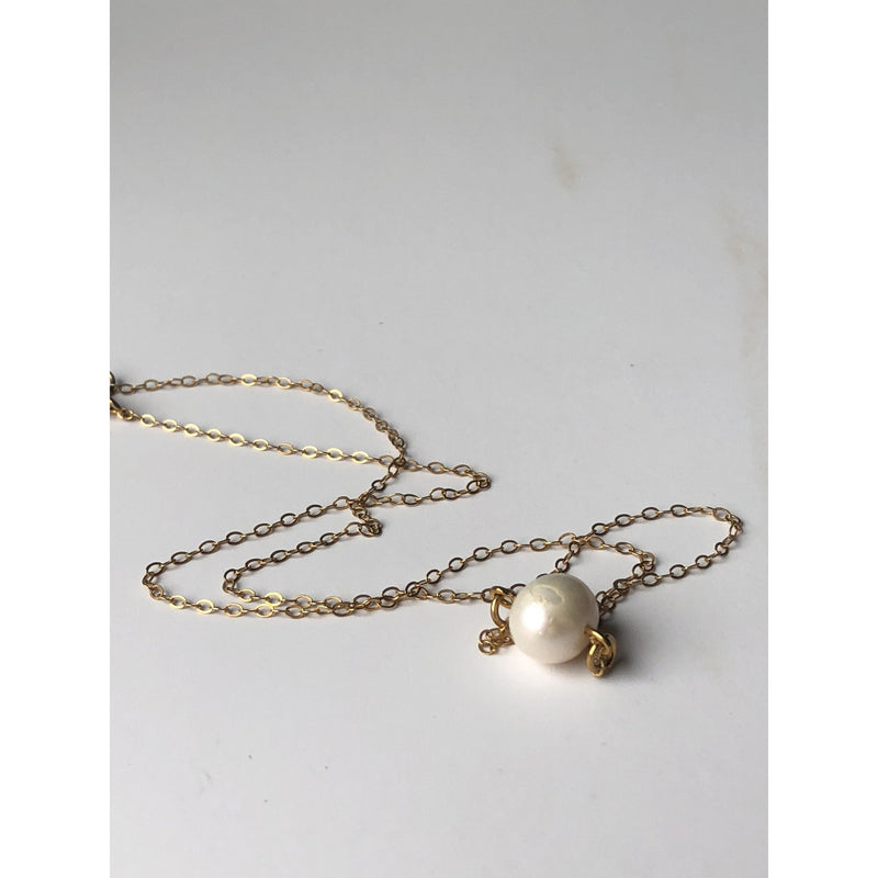 Claire - Pearl Choker Necklace