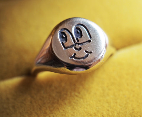 Cartoon Smiley Signet