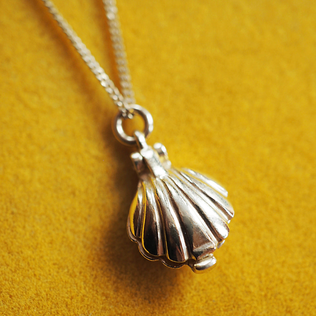 Clam Shell Locket Necklace