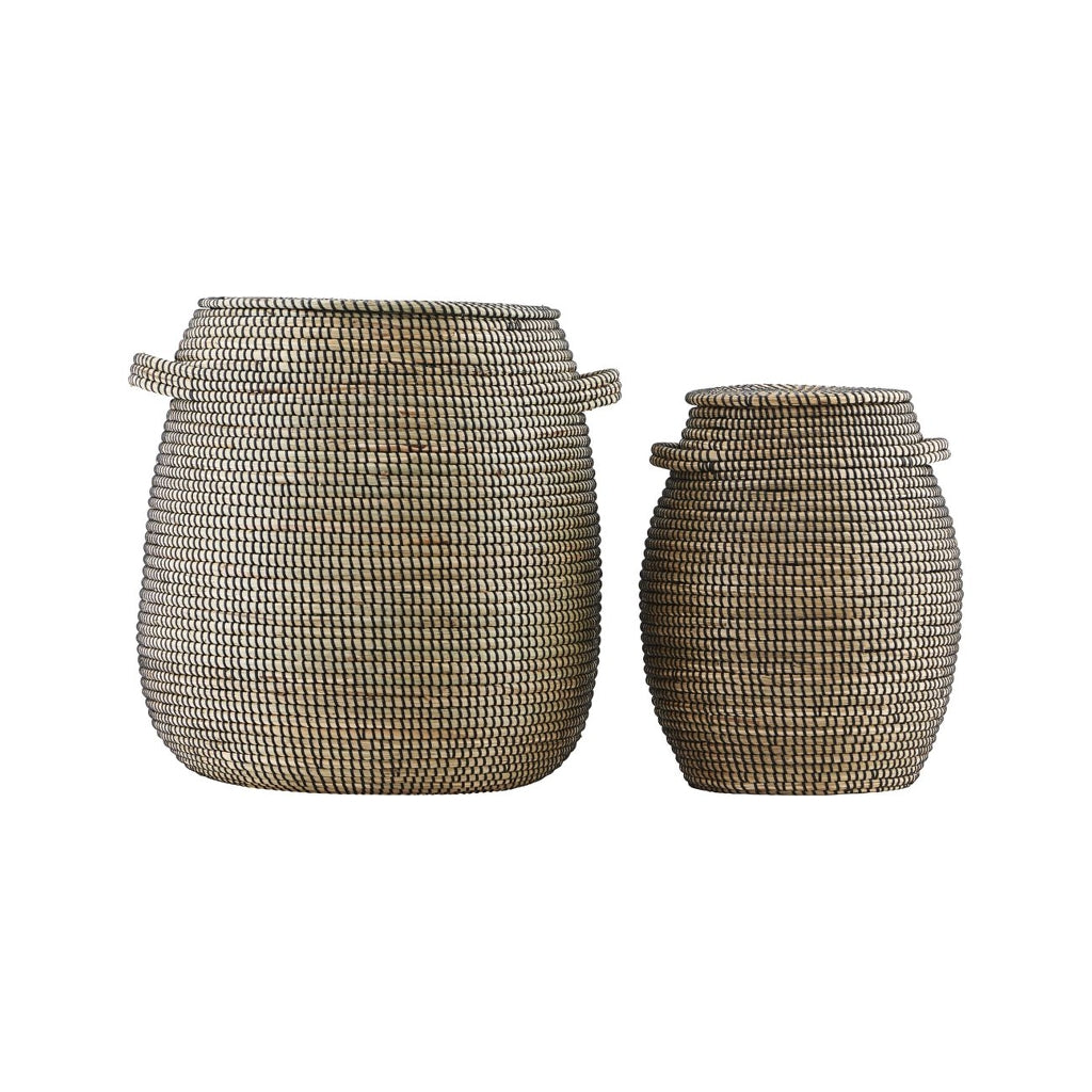 Seagrass baskets in natural colour