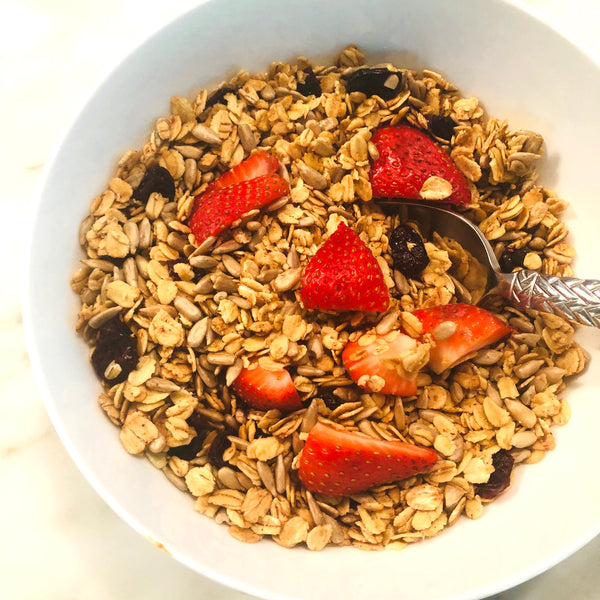 Homemade, Nut-Free and Not-Overly-Sweet Granola