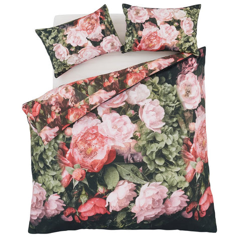 Dramatic floral duvet cover