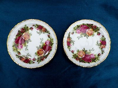 2 Royal Albert Old Country Roses pin dishes, First Quality - Taingtiques - 1