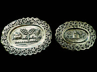 2 miniature Indian white metal plaques or pin trays, embossed hut scenes. - Taingtiques - 1