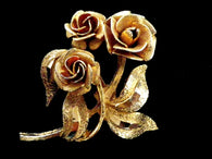 Gold tone rose brooch, vintage floral jewellery - Taingtiques - 1