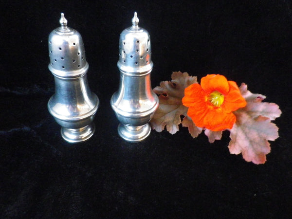2 sterling silver pepperettes, hallmarked Birmingham 1919 - Taingtiques - 1