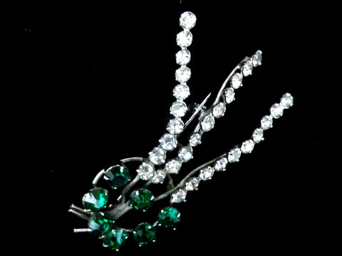 Diamante brooch with green glass stones and long twisted stems - Taingtiques - 1