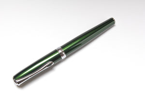 Diplomat Excellence A Fountain Pen in Evergreen
