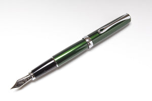 Diplomat Excellence A Fountain Pen in Evergreen, Posted