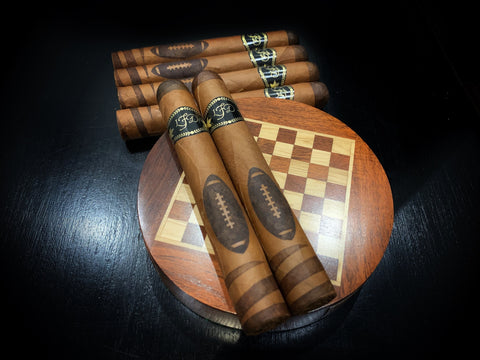 2020 La Flor Dominicana Football Edition