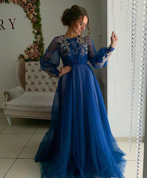Blue appliqué long sleeve pleated dressThegirlsoutfits