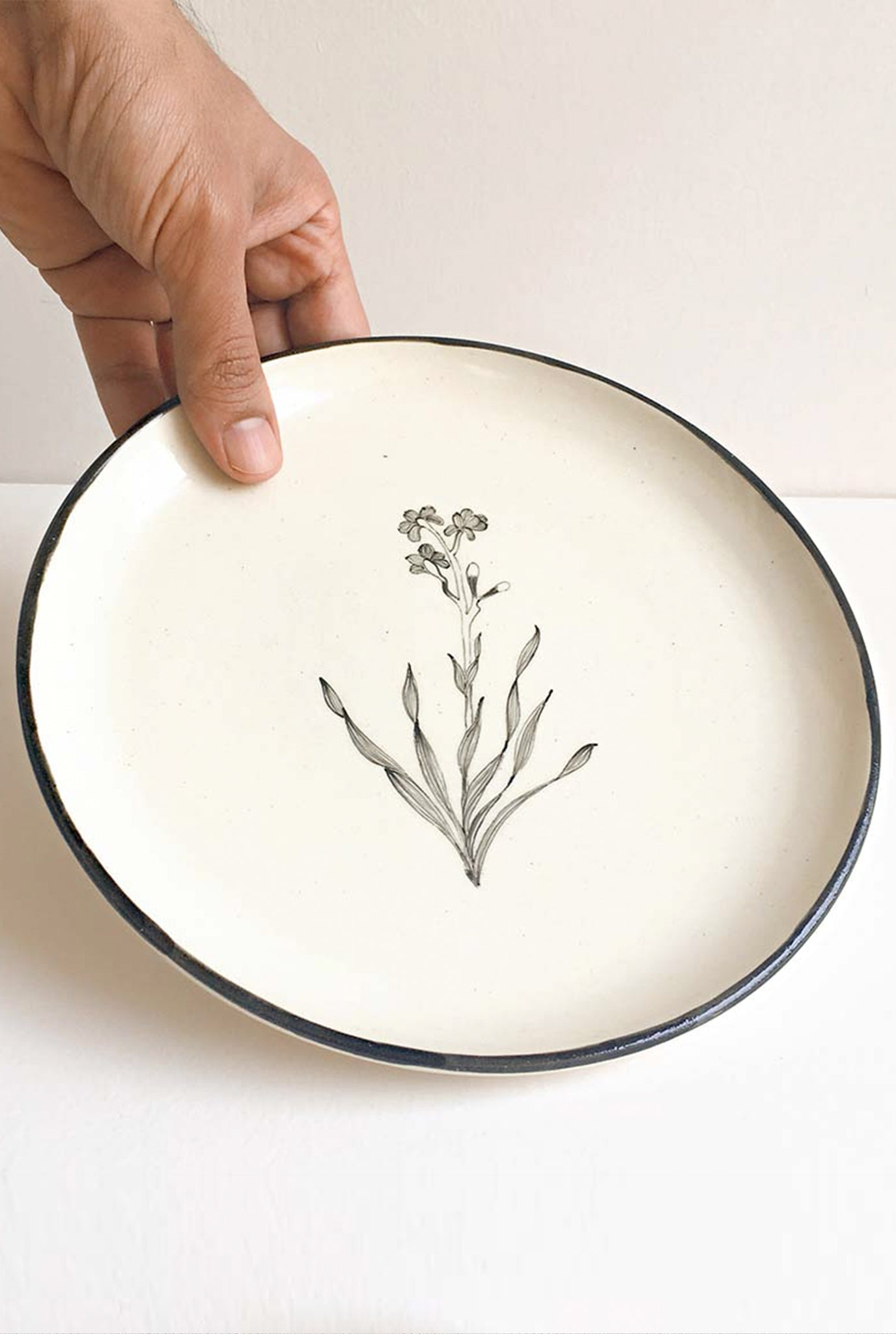 MINIMAL INDIAN BOUQUET PLATES - SET OF 2