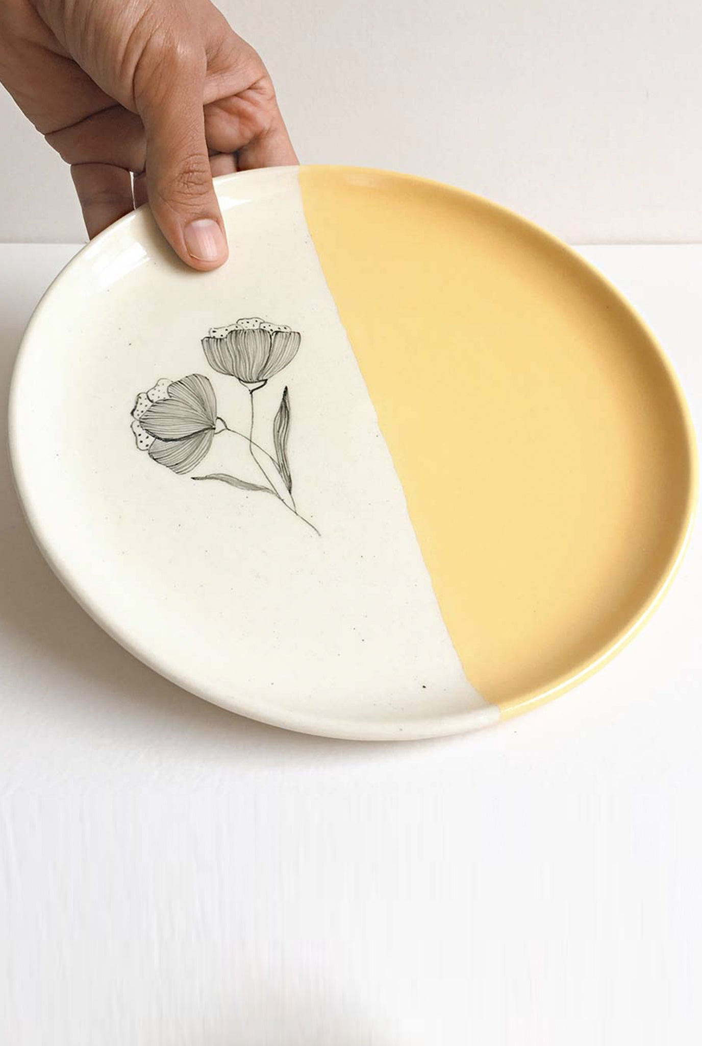 MINIMAL INDIAN PEONY MUSTARD PLATES - SET OF 2