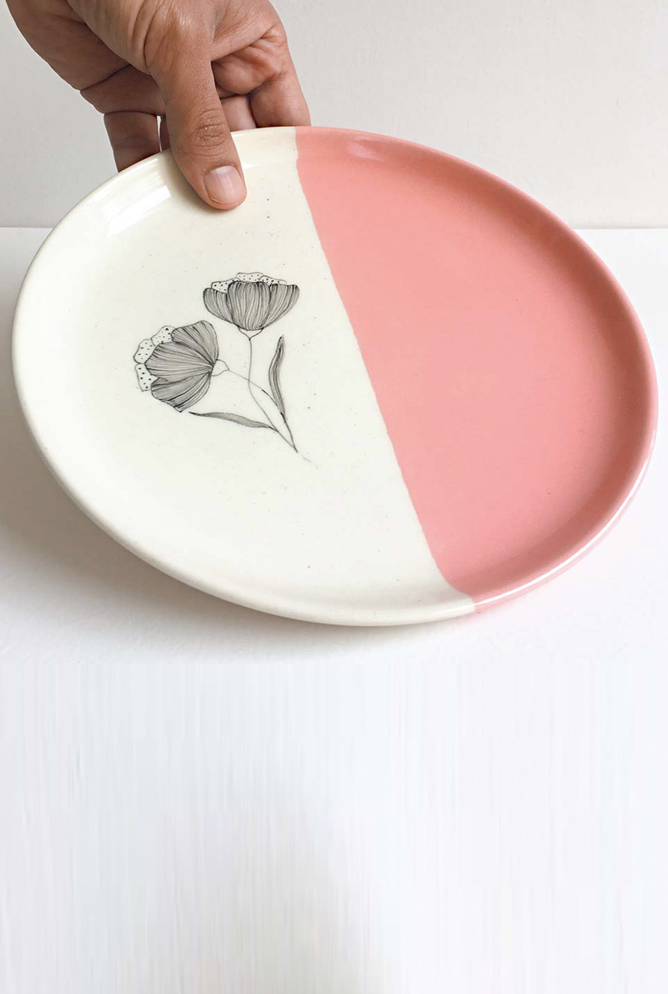 MINIMAL INDIAN PEONY PINK PLATES - SET OF 2
