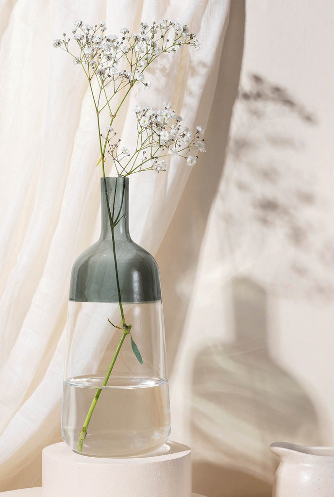 IRIS VASE GREY- GLASS FOREST