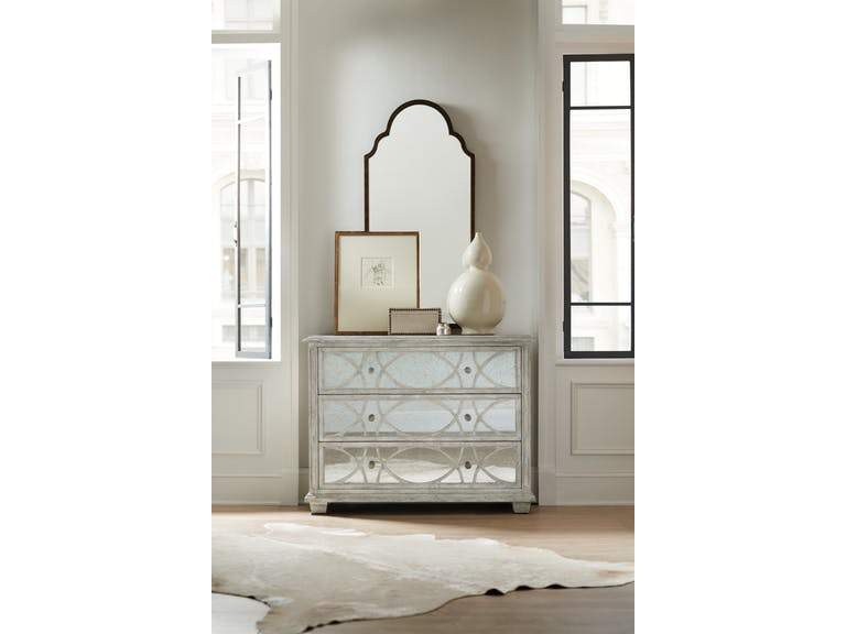 Duvel Accent Chest (658696896540)