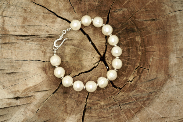Knotted Pearl Bracelet