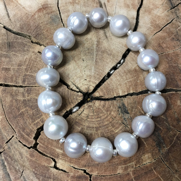 Luminous Grey Pearl Stretch Bracelet