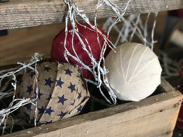 How to create elegant 4th of July accent decor
