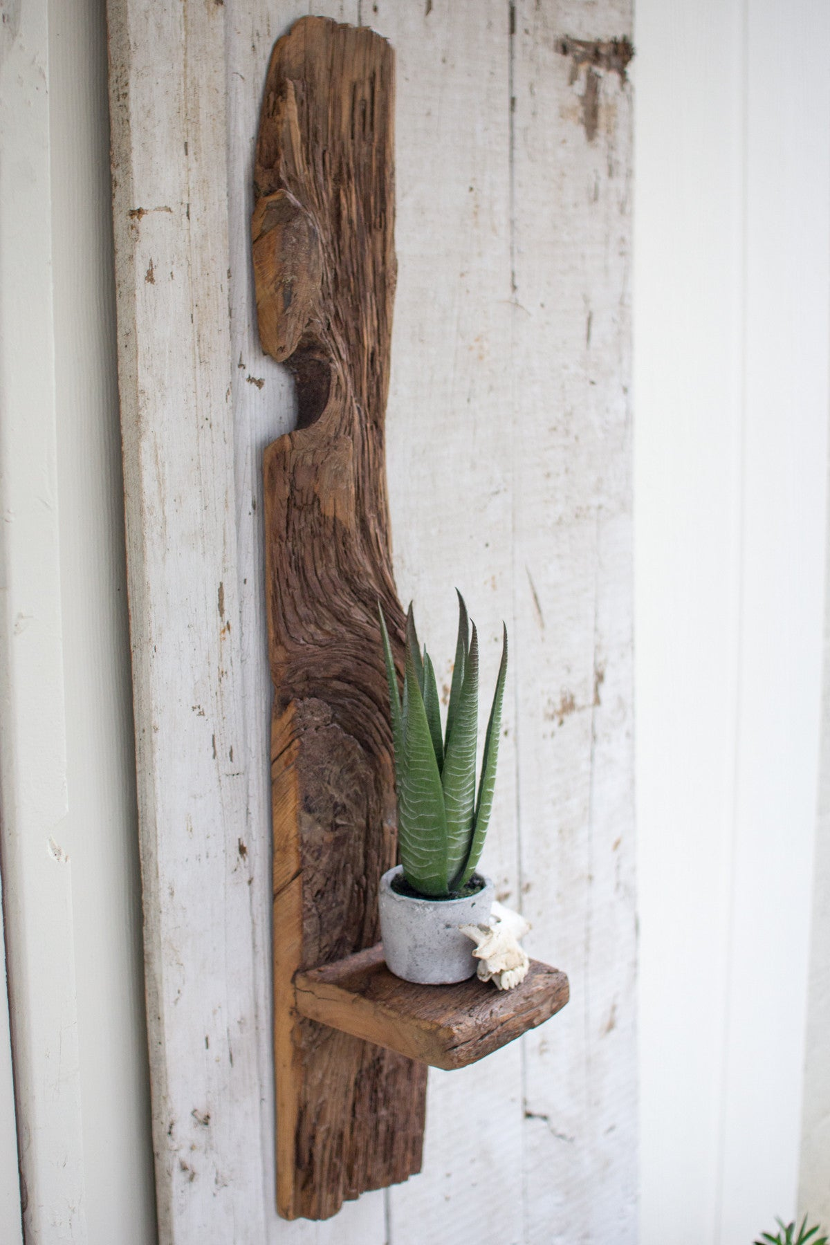 TALL RECYCLED WOOD WALL SHELF - Bello Lane