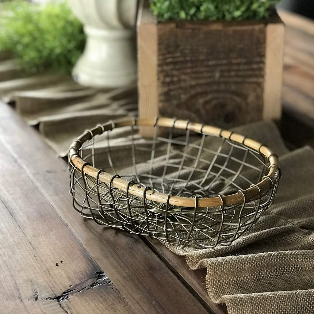 Flat Wire Baskets With Bamboo Set