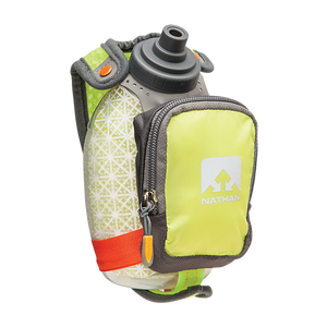 Flacon sport isolé Nathan QuickShot Plus jaune handheld sports hydration flask Soccer Sport Fitness