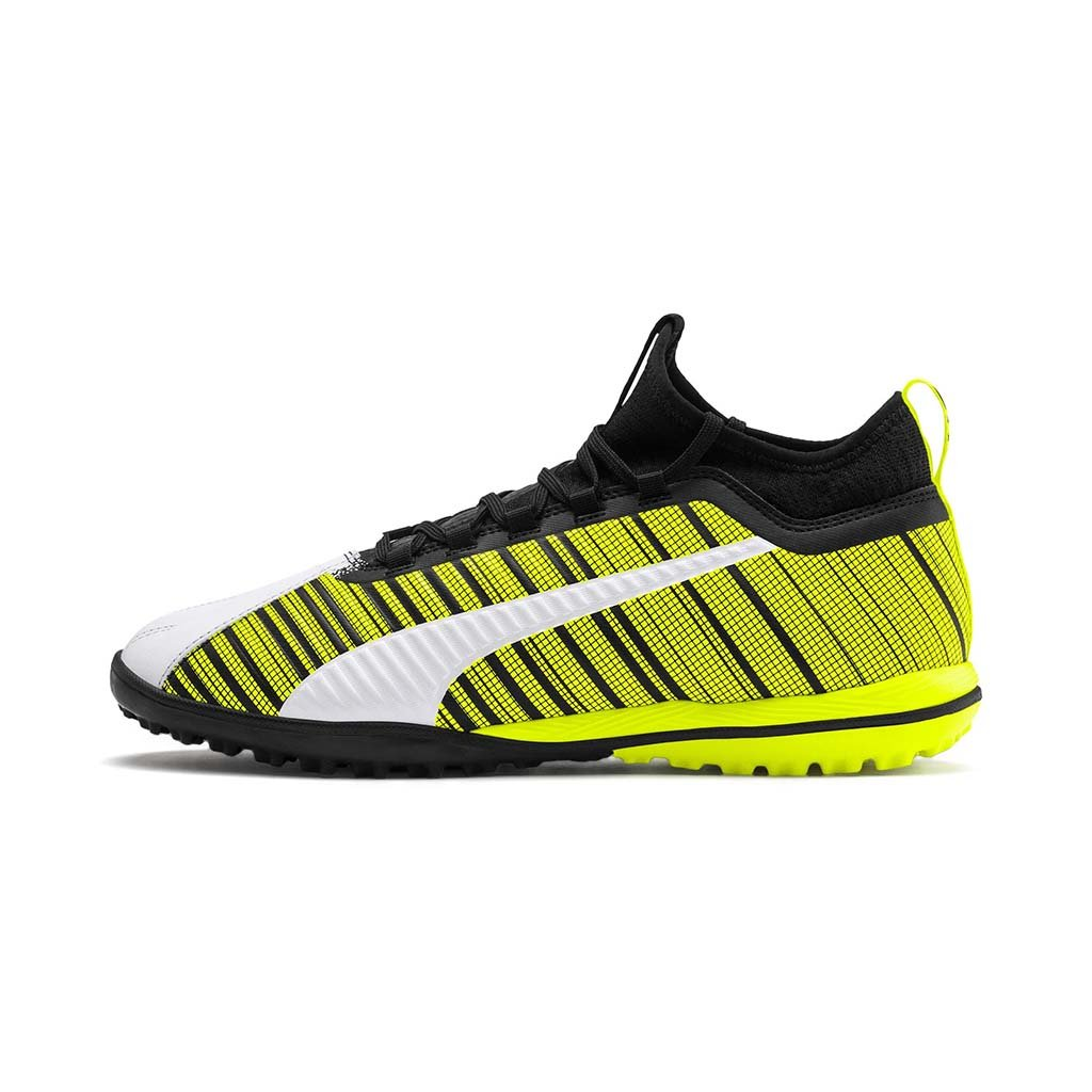 Puma One 5.3 TT chaussure de soccer turf synthetique blanc noir jaune