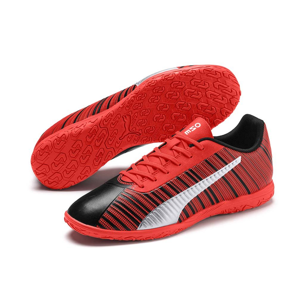 Puma One 5.4 IT Futsal chaussures de soccer interieur paire