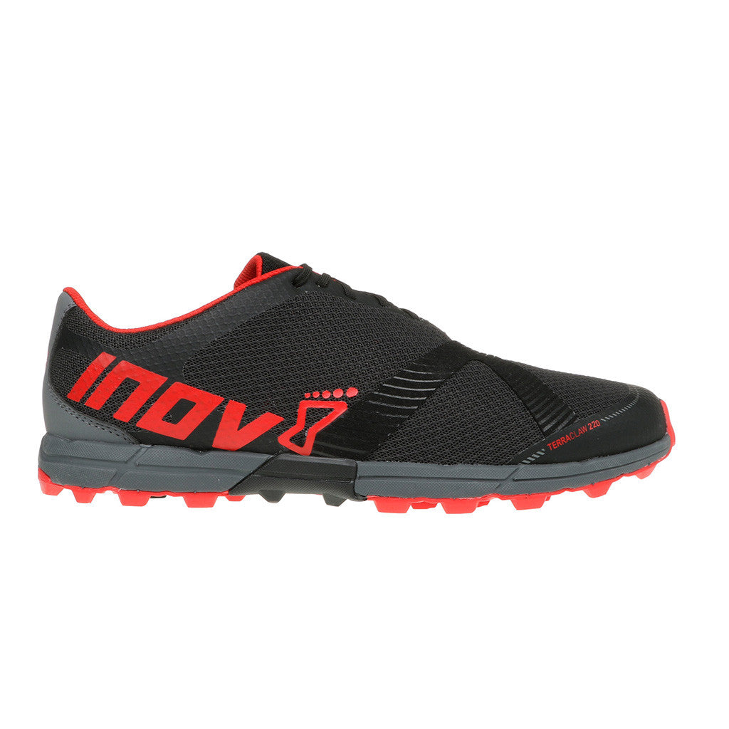 Chaussure de course a pied trail homme INOV-8 TerraClaw 220 noir rouge vue laterale