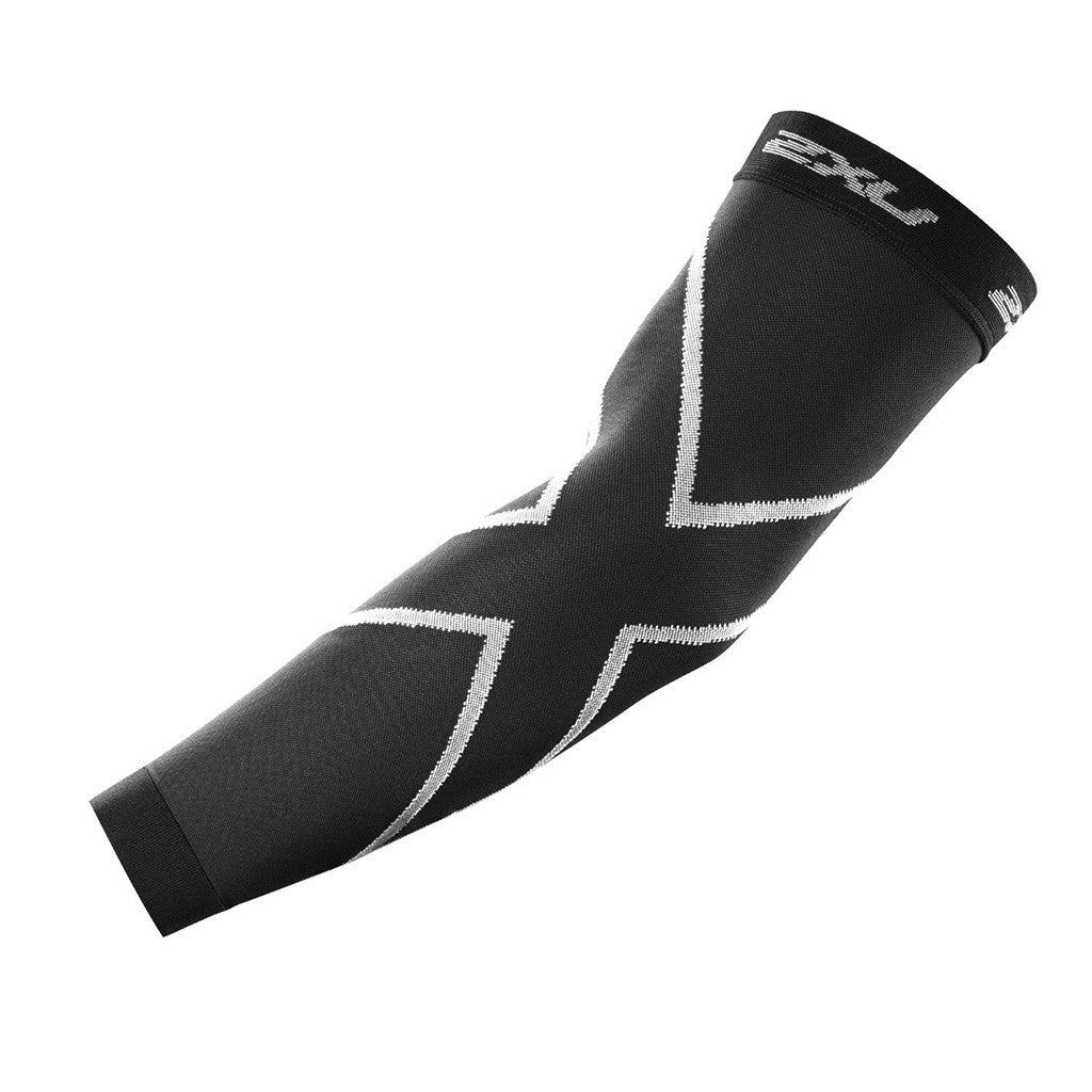 2XU compression arm sleeves Soccer Sport Fitness
