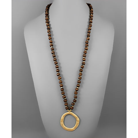 Brown Circle Pendant Bead Necklace
