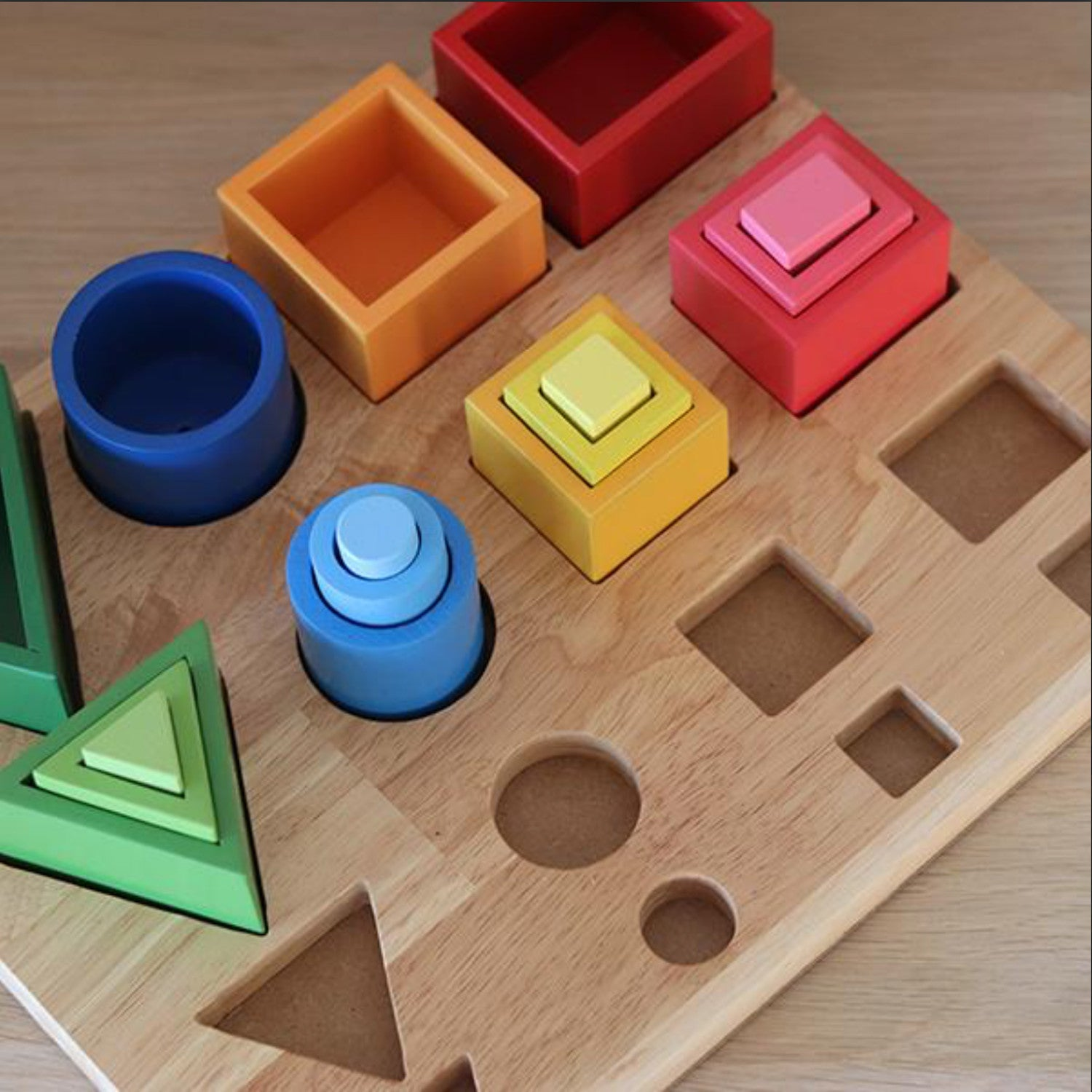 Q Toys 3D Sorting and Nesting Board