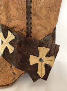 Leather caramel w/crosses small