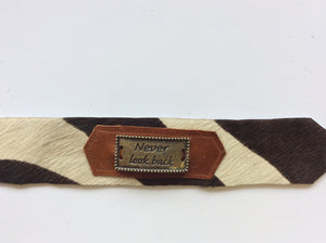 Cowhide bracelet Never Look Back