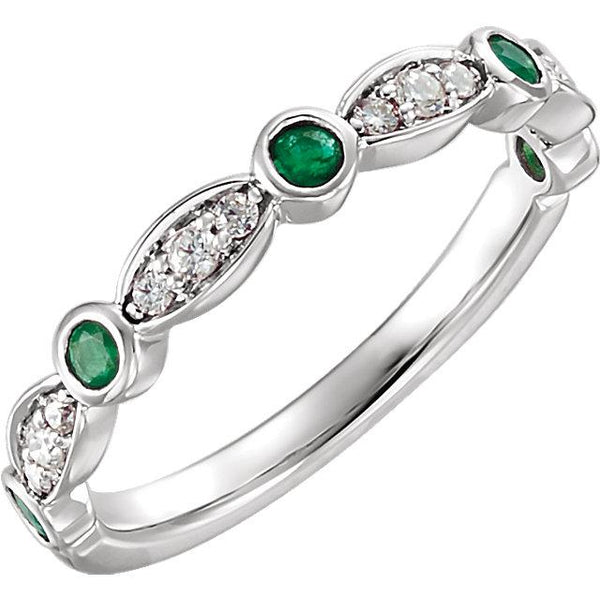 14K White Gold Emerald & 1/6 CTW Diamond Ring
