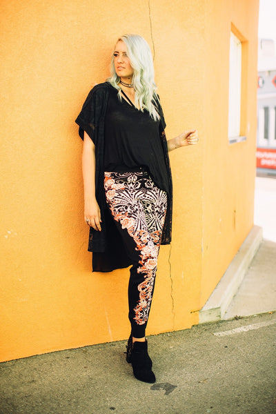 how-to-style-joggers-floral-print-boho-style-pants-utah-blogger-harper-trends4