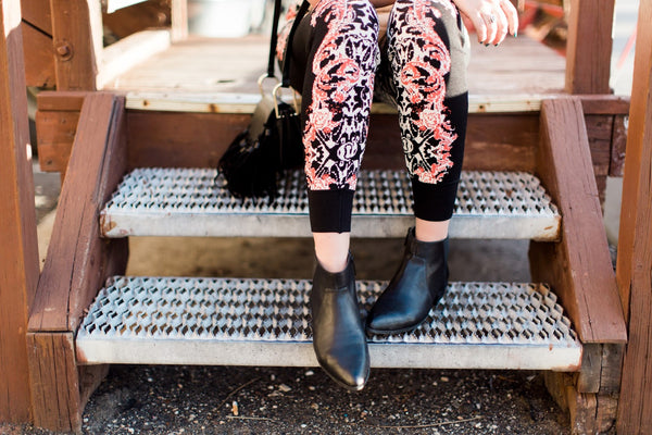 how-to-style-joggers-floral-print-boho-style-pants-utah-blogger-harper-trends8