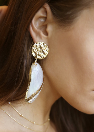 ETTIKA Down the Shore Earrings in Gold