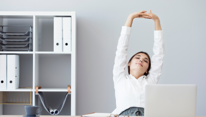 "A Simple ""Deskercise"" Routine to do at Work"
