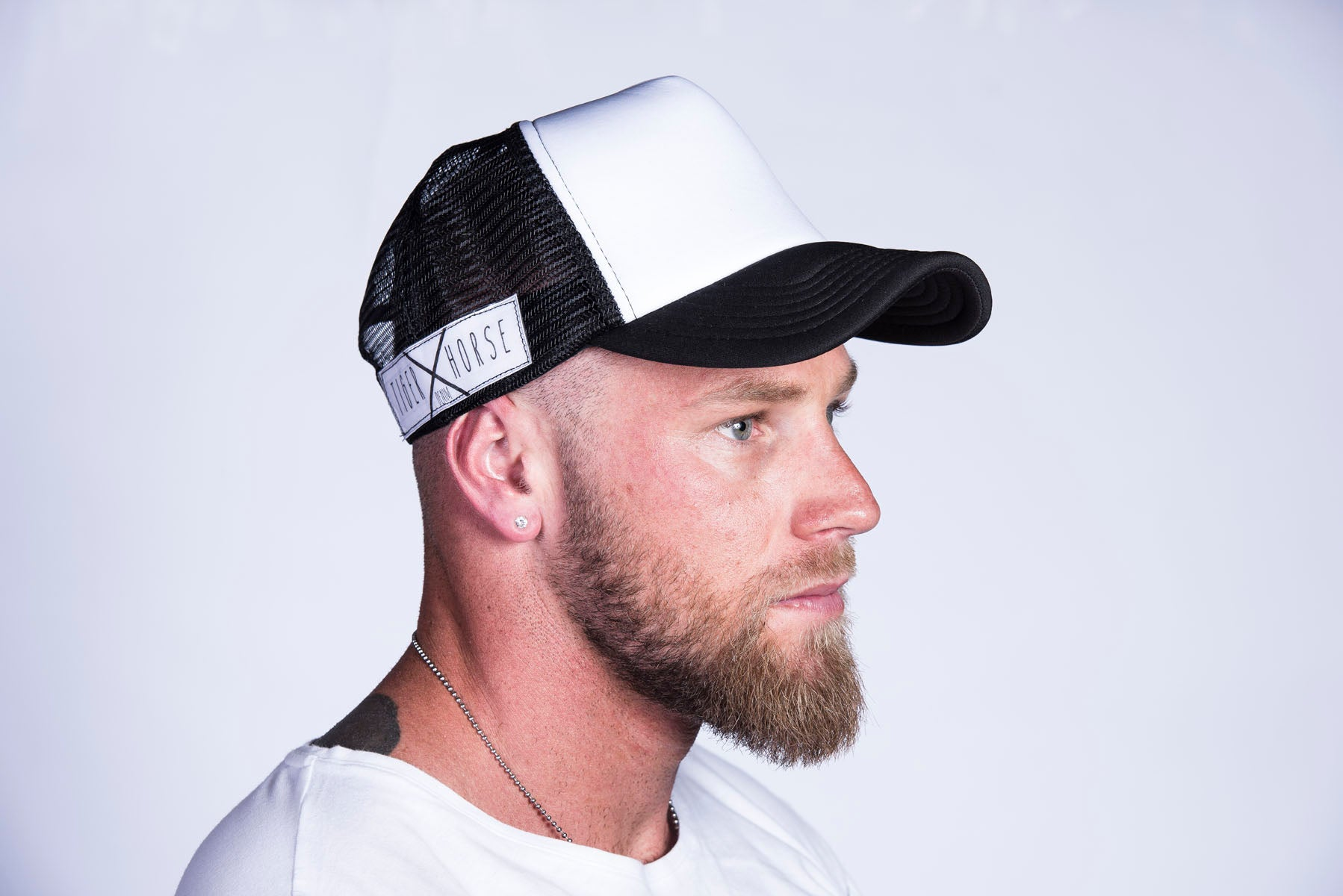TRUCKER HAT White & Black