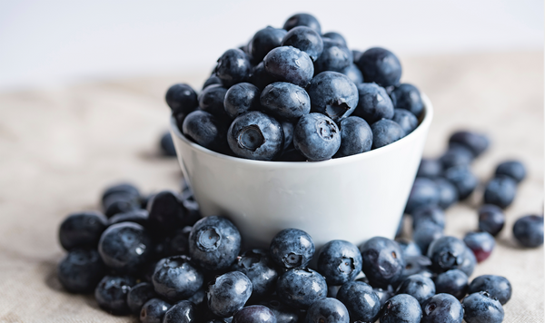 blueberries-office-smoothie
